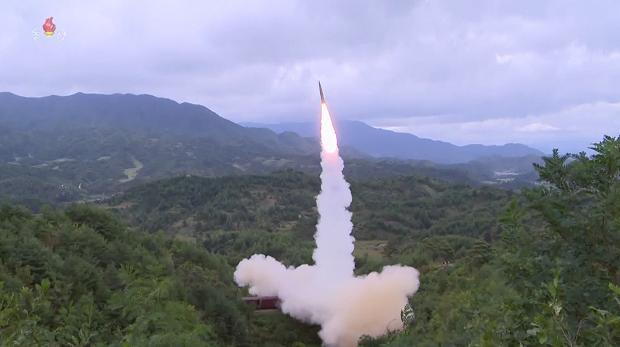 지난 15일 북한이 열차에서 탄도미사일을 발사하는 모습