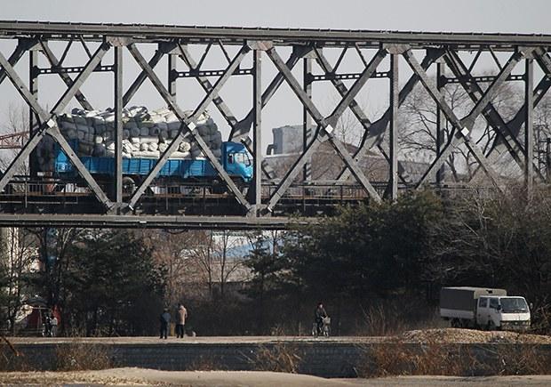 """KITA """"북 무역재개 전망""""…전문가 """"정상화는 일러"""""""