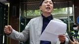 박상학 자유북한운동연합 대표가 지난 6일 서울 시내 사무실 앞에서 경찰의 압수수색 관련 입장을 밝히고 있다. 경찰은 이날 오전부터 대북전단을 살포했다고 밝힌 박상학 대표 사무실을 압수수색 하고 있다.