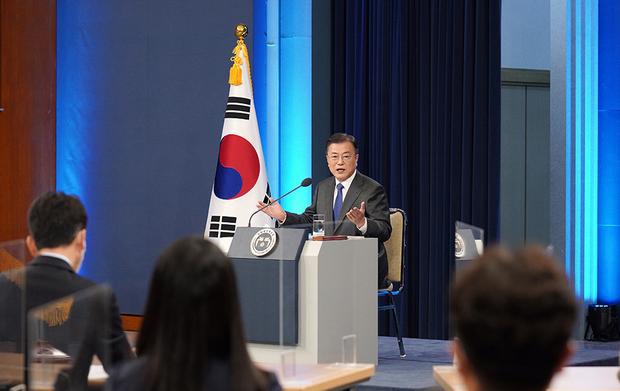 """문대통령 """"북, 대화 거부 아냐…호응 기대"""""""