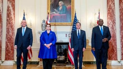 지난 16일 '2+2' 회담에 참여한 미국과 호주의 외교 및 국방장관이 워싱턴 DC의 국무부 청사에서 포즈를 취하고 있다. 왼쪽부터 호주의 피터 더튼 국방장관, 마리스 페인 외무장관, 미국의 토니 블링컨 국무장관, 로이드 오스틴 국방장관.