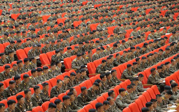 인민군대는 김씨 왕조를 수호하는 사병으로 전락했다
